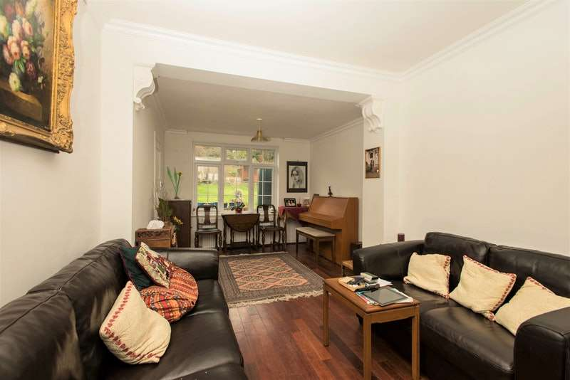 4 Bedrooms Detached House for sale in Pollards Hill West, London, London, SW16