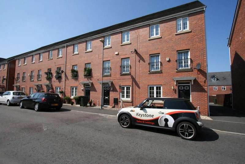 4 Bedrooms Terraced House for sale in Tangmere Avenue, Hopwood, Heywood