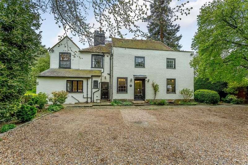 5 Bedrooms Detached House for sale in Watling Street, St. Albans, Hertfordshire