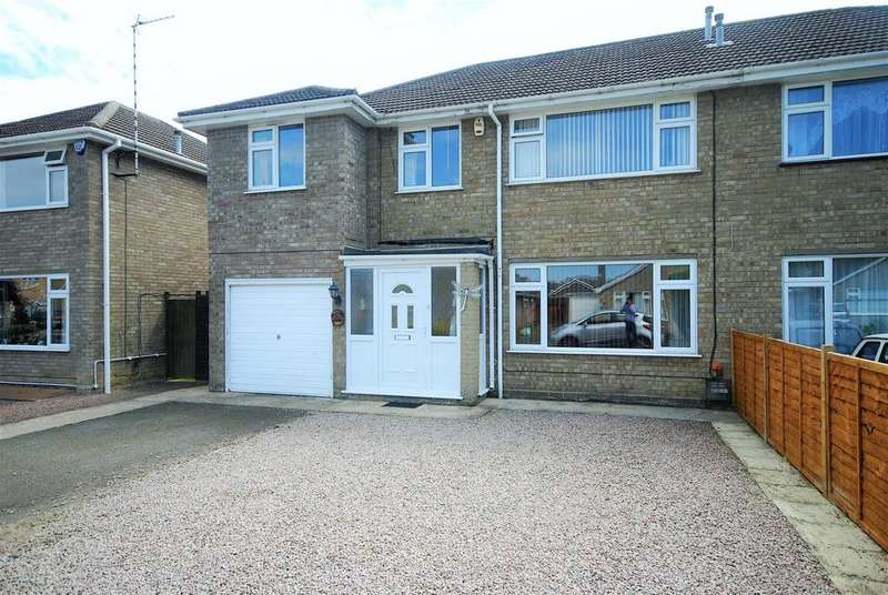 4 Bedrooms Semi Detached House for sale in Woodfield Close, Spalding