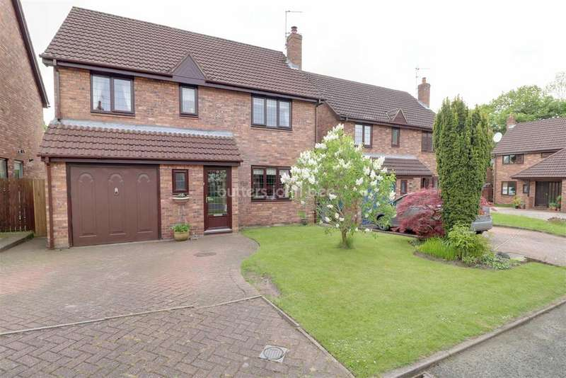 4 Bedrooms Detached House for sale in Wellington Close, Lower Heath, Congleton