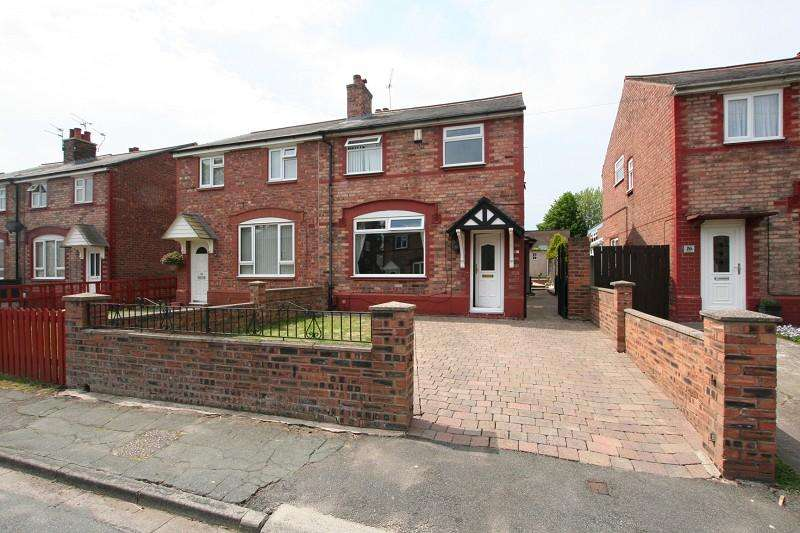 4 Bedrooms End Of Terrace House for sale in Park Road, Ellesmere Port, Cheshire. CH65