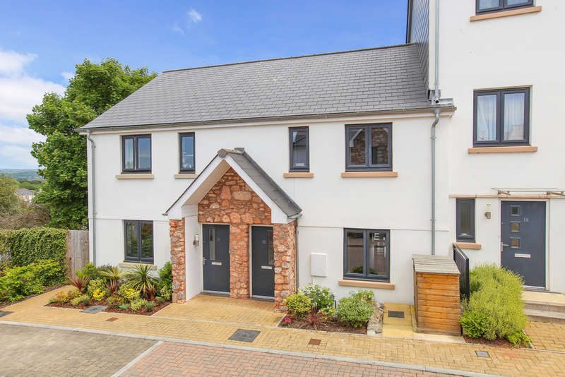 3 Bedrooms Terraced House for sale in Dell Court, Newton Abbot