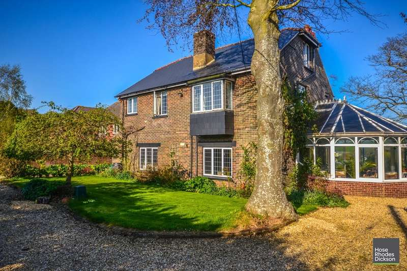 5 Bedrooms Detached House for sale in Morton Old Road, Brading