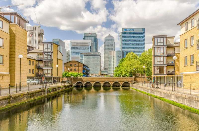 2 Bedrooms Flat for sale in Cold Harbour, Canary Wharf, E14