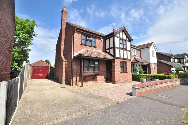 3 Bedrooms Detached House for sale in Mountbatten Drive, Colchester, CO2 8BH