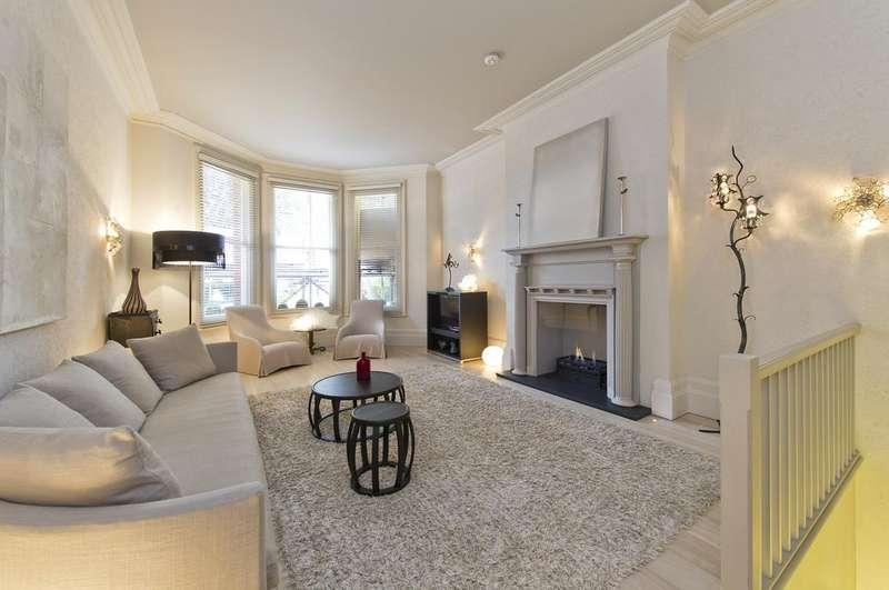 3 Bedrooms Ground Flat for sale in Egerton Gardens, London. SW3