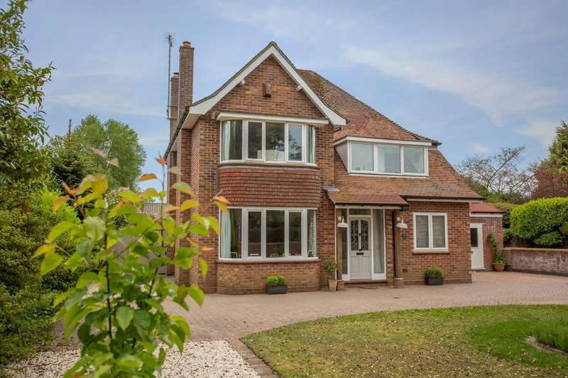 5 Bedrooms Detached House for sale in Burrell Close, Holt