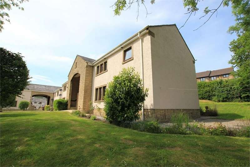 2 Bedrooms Flat for sale in Manorfields, Whalley, Clitheroe, Lancashire