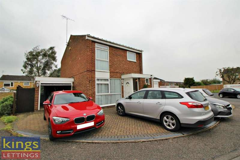 3 Bedrooms Detached House for rent in Silverfield, Broxbourne, Turnford