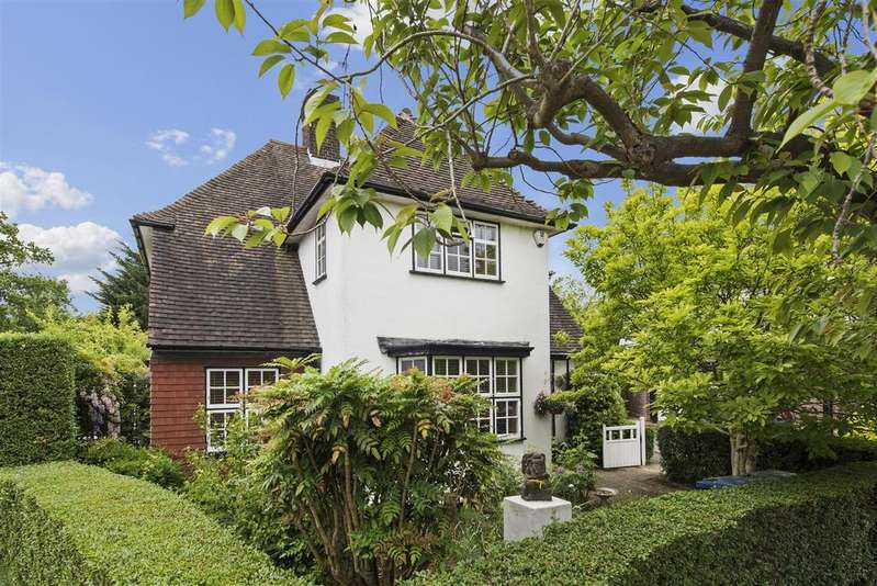 3 Bedrooms Detached House for sale in Brookland Rise, NW11