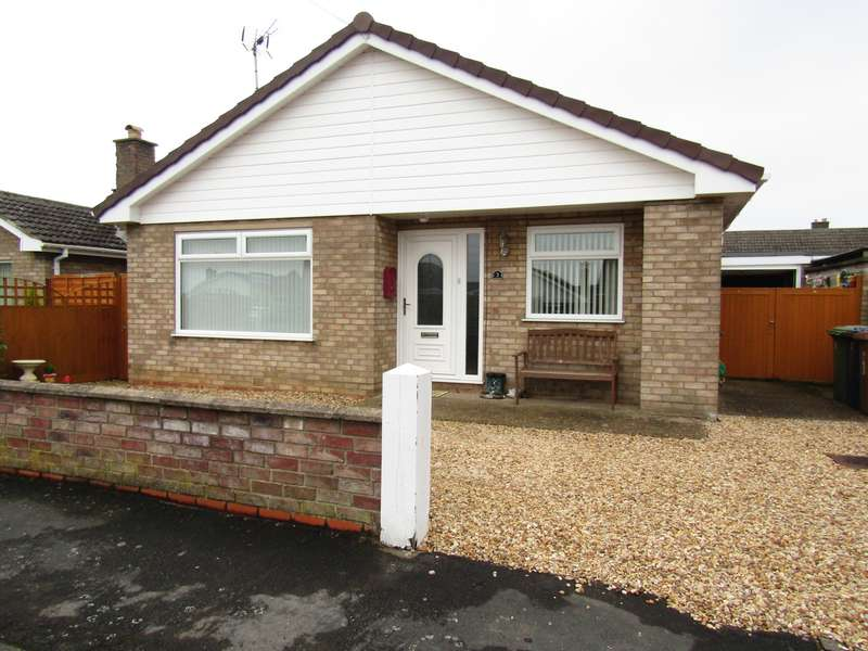 3 Bedrooms Bungalow for sale in Thornham Way, Eastrea, PE7