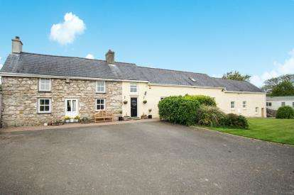 6 Bedrooms Detached House for sale in Talwrn, Anglesey, Sir Ynys Mon, United Kingdom, LL77