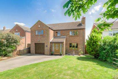 4 Bedrooms Detached House for sale in Bullington End Road, Castlethorpe, Milton Keynes