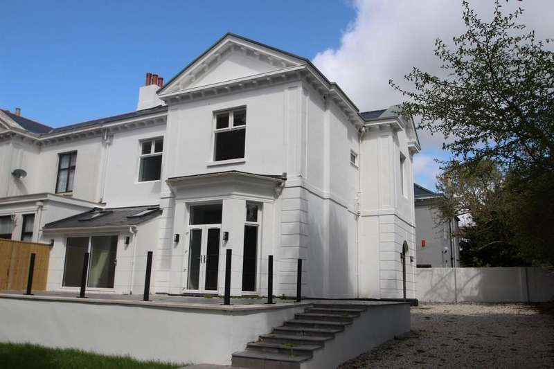 4 Bedrooms Villa House for sale in Mannamead, Plymouth