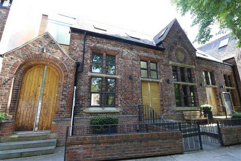 4 Bedrooms End Of Terrace House for sale in Chorlton Green, Chorlton Green, Manchester, M21