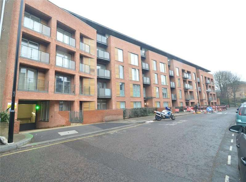 2 Bedrooms Apartment Flat for sale in Beaufort Court, 65 Maygrove Road, West Hampstead, London, NW6