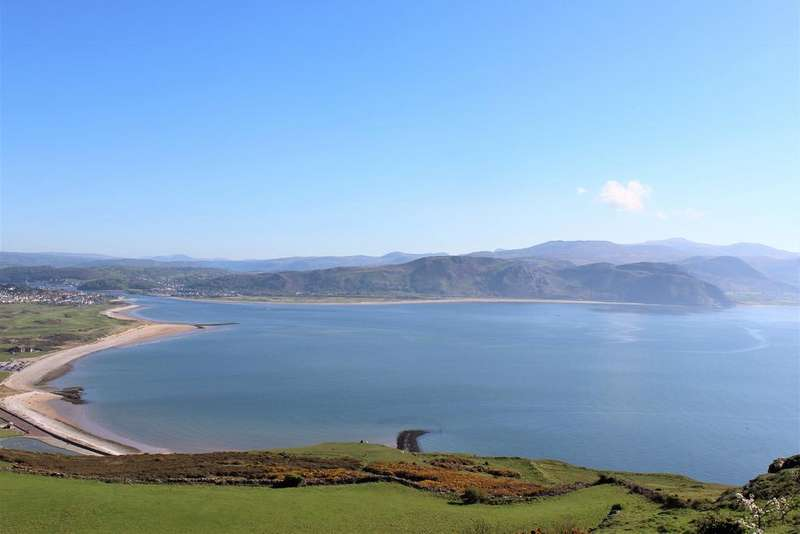 4 Bedrooms Detached House for sale in Pen y Ffridd, Great Orme, Llandudno LL30