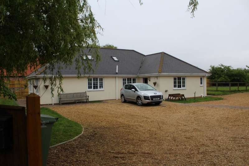 4 Bedrooms Detached Bungalow for sale in Roman Bank, Leverington, Wisbech, Cambs, PE13 5EP
