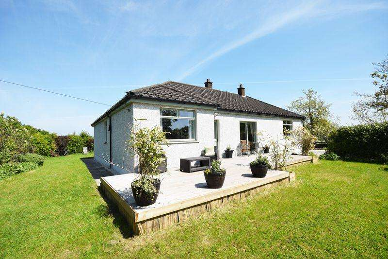4 Bedrooms Detached Bungalow for sale in 4 Greenhead Holdings,Stevenston KA20 4JX