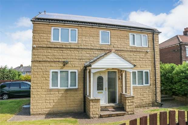 3 Bedrooms Detached House for sale in Raymond Drive, Bradford, West Yorkshire