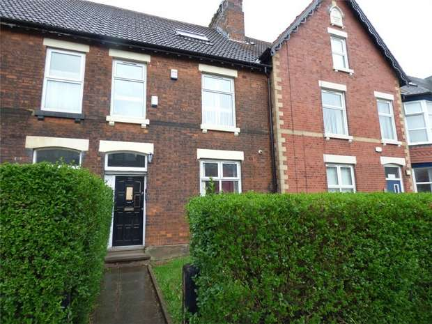 Terraced House for sale in Wellington Road North, Stockport, Cheshire