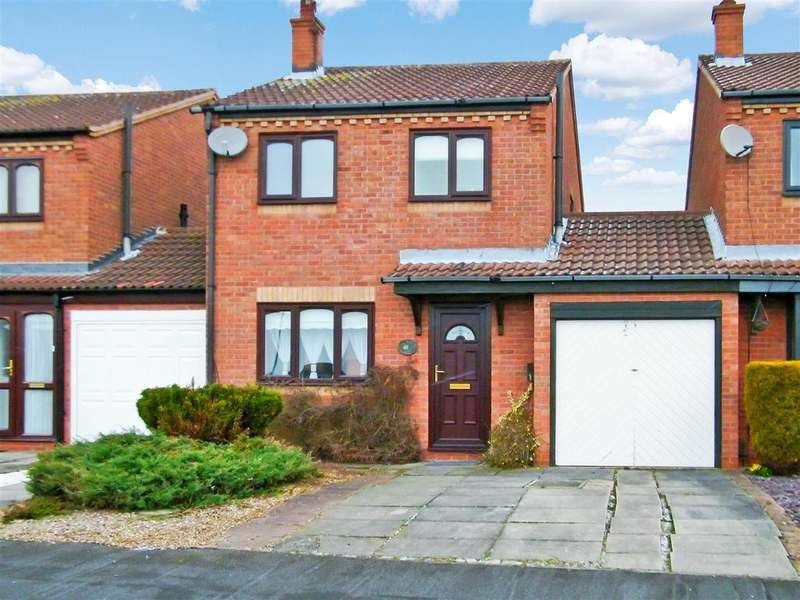 3 Bedrooms Semi Detached House for sale in Manchester Way, Grantham
