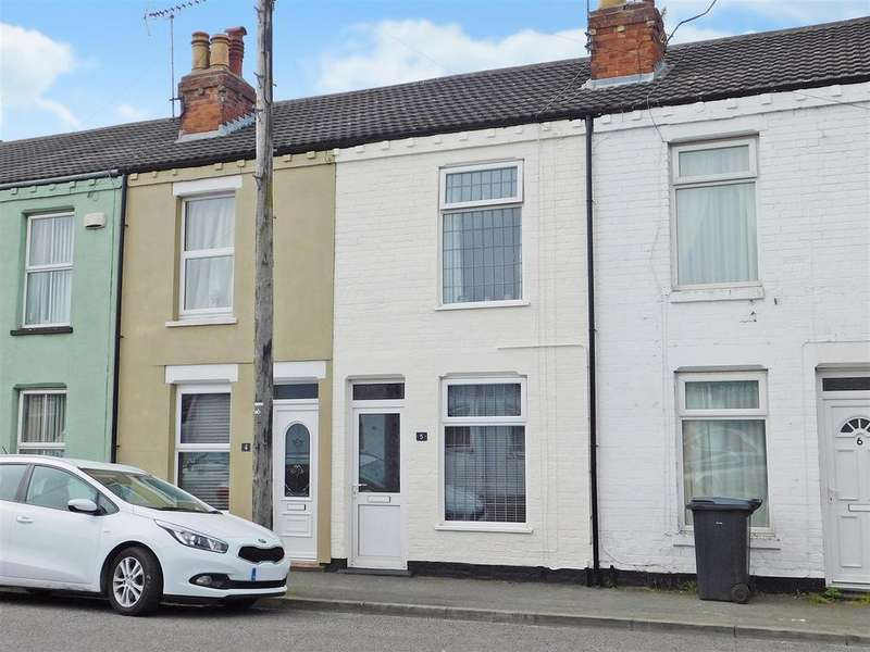 2 Bedrooms Terraced House for sale in Albert Road, Skegness, Lincs, PE25 3RB