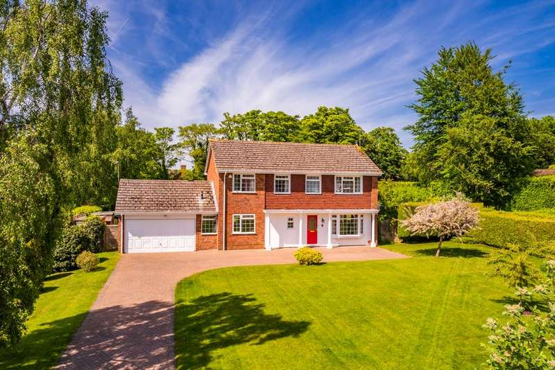 4 Bedrooms Detached House for sale in 6 Whitehills Green, Goring on Thames, RG8
