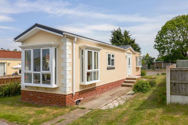 2 Bedrooms Detached Bungalow for sale in Orchard Park, Elton, Chester, CH2