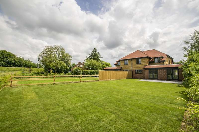 4 Bedrooms Semi Detached House for sale in Cross Keys Road, South Stoke, Reading, RG8