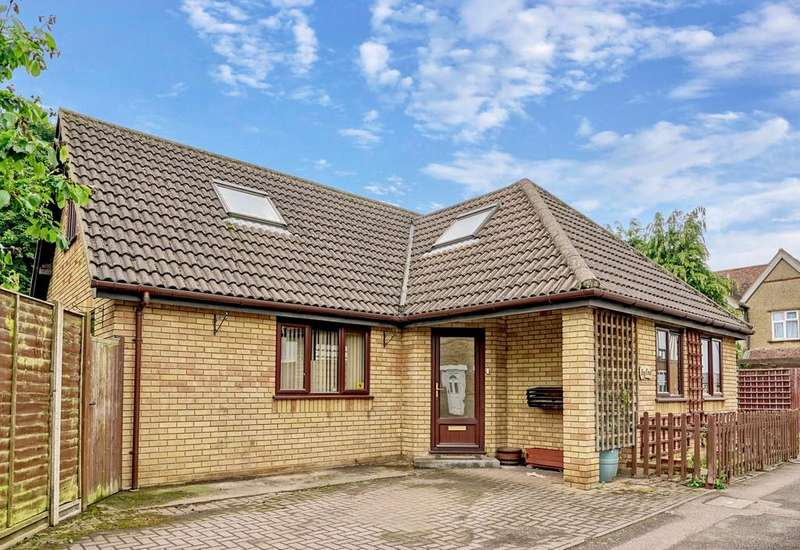 3 Bedrooms Detached Bungalow for sale in Kings Road, Sandy