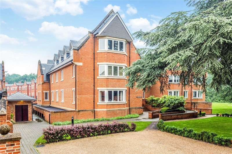 3 Bedrooms Flat for sale in Lambton House, Longbourn, Windsor, Berkshire, SL4