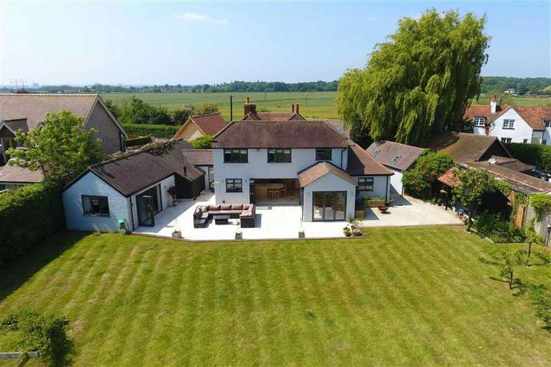4 Bedrooms Detached House for sale in Dunsden Green, Dunsden, Reading