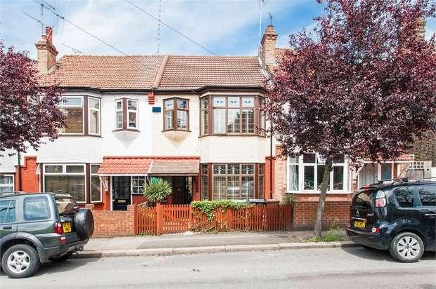 3 Bedrooms Terraced House for sale in Belle Vue Road, Walthamstow, London