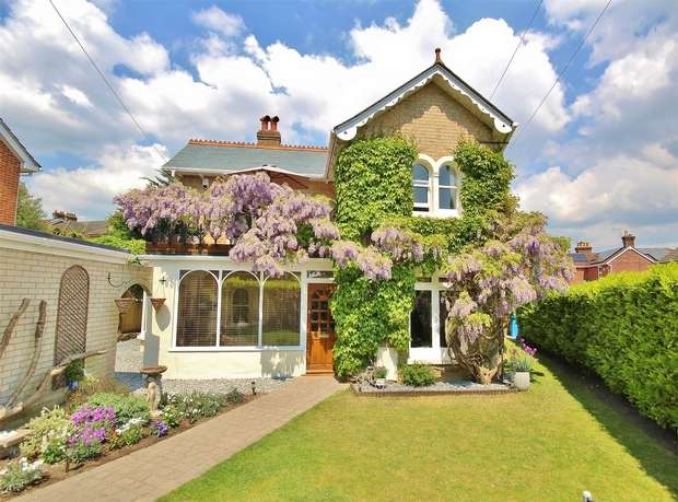 4 Bedrooms Detached House for sale in Mansfield Lodge, Blair Avenue, Lower Parkstone, POOLE, Dorset