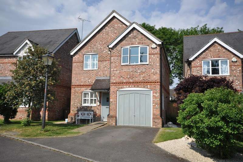 4 Bedrooms Detached House for sale in Jubilee Close, Woodley, Reading, RG5 3JU