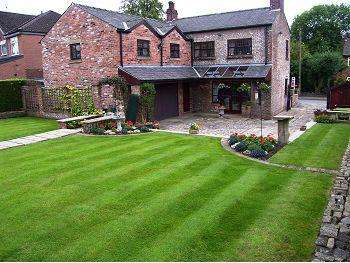 5 Bedrooms Detached House for sale in Roundcroft, Romiley, Stockport, SK6 4LL