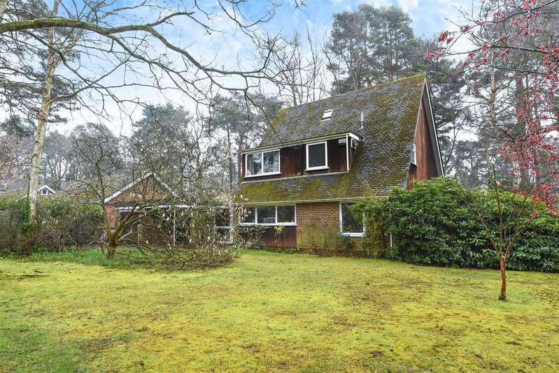 5 Bedrooms House for sale in Edgcumbe Park Drive, Crowthorne, Berkshire RG45 6HX