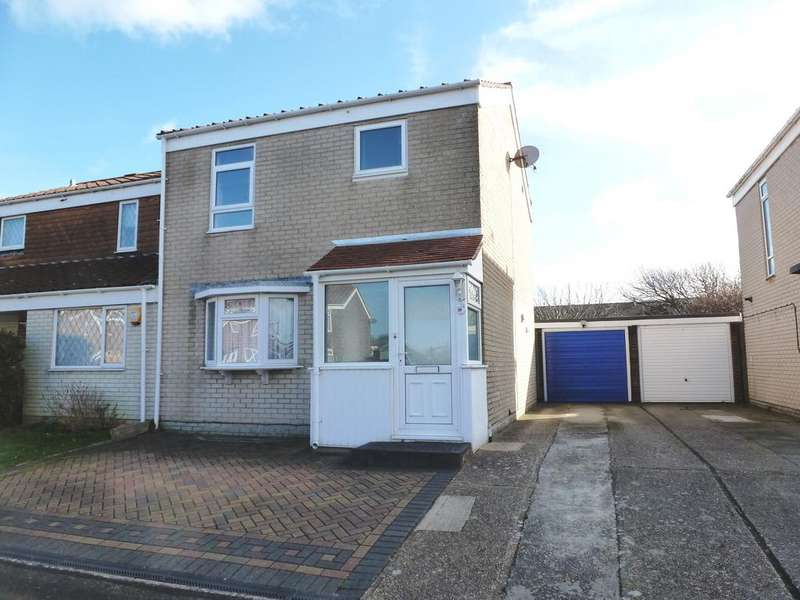 3 Bedrooms Semi Detached House for sale in Trent Way, Lee-on-the-Solent PO13