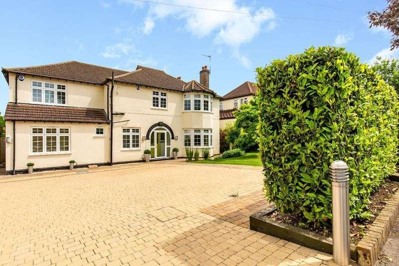 5 Bedrooms Detached House for sale in Arkwright Road, Sanderstead, Surrey, CR2 0LL