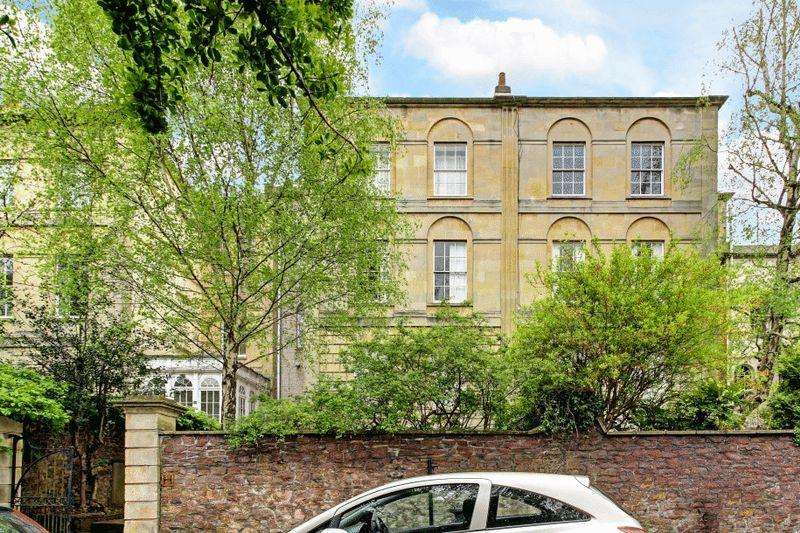 2 Bedrooms Apartment Flat for sale in Richmond Hill, Clifton