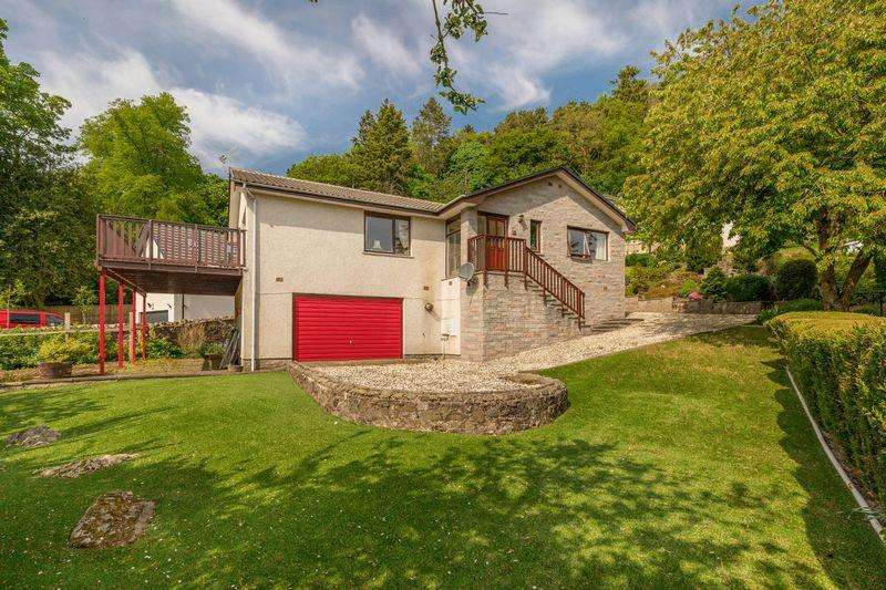 2 Bedrooms Detached Bungalow for sale in 15 St. Ronan's Terrace, Innerleithen, EH44 6RB