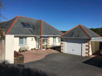 4 Bedrooms Bungalow for sale in Gorran Haven, St. Austell, Cornwall