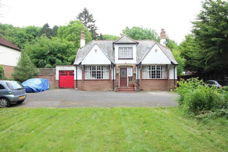 4 Bedrooms Detached Bungalow for sale in Box Lane, Felden