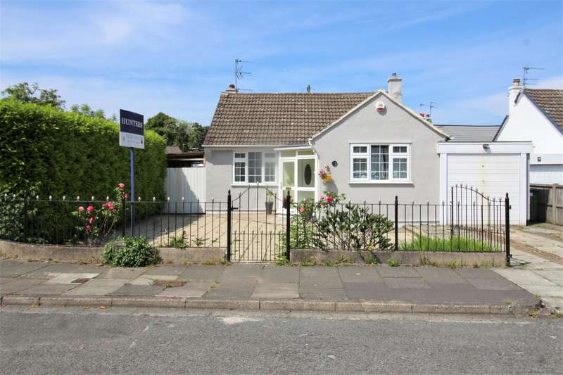 2 Bedrooms Detached Bungalow for sale in Wimborne Avenue, Thingwall, Wirral, CH61 7UL