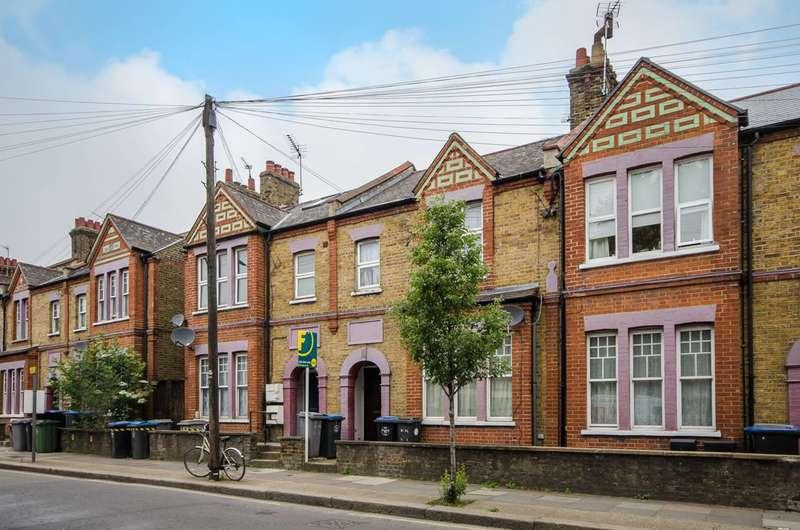 2 Bedrooms Flat for sale in Kilburn Lane, Kilburn, W10