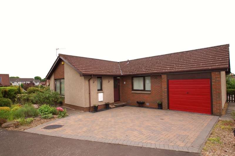 3 Bedrooms Detached Bungalow for sale in Toll Court, Lundin Links, Leven, KY8