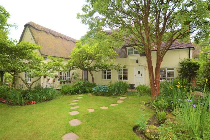 4 Bedrooms Detached House for sale in Thurlow Road, Great Wratting, Suffolk CB9