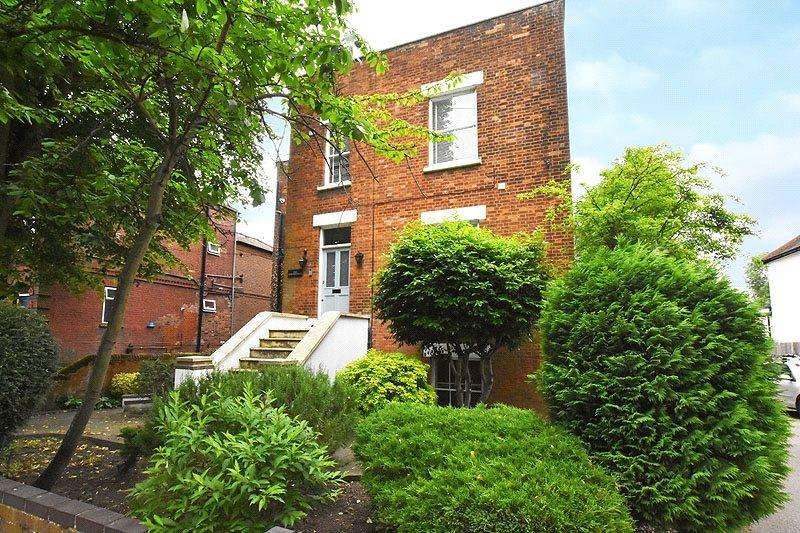 1 Bedroom Flat for sale in The Shrubberies, Prospect Road, St. Albans, Hertfordshire